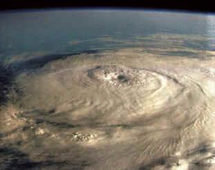 Huracanes y tormentas